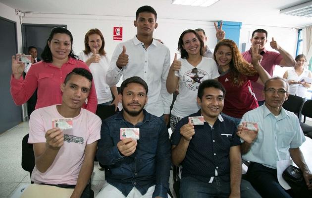 Podrán solicitar Permiso Temporal de Permanencia, venezolanos en Perú