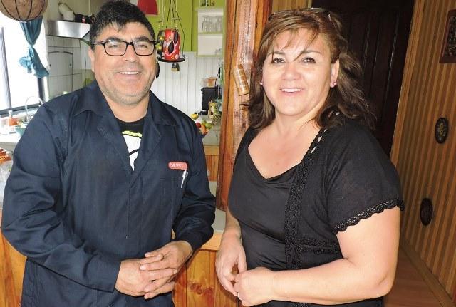 Ady Fernandez y Pedro Maldonado al suministrar la informacion