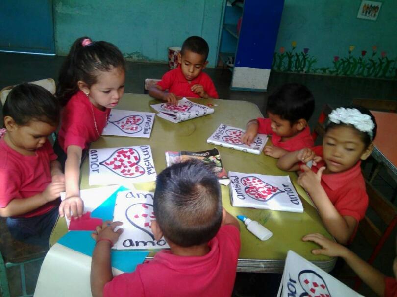 Educando con amor a los semilleros de la Patria