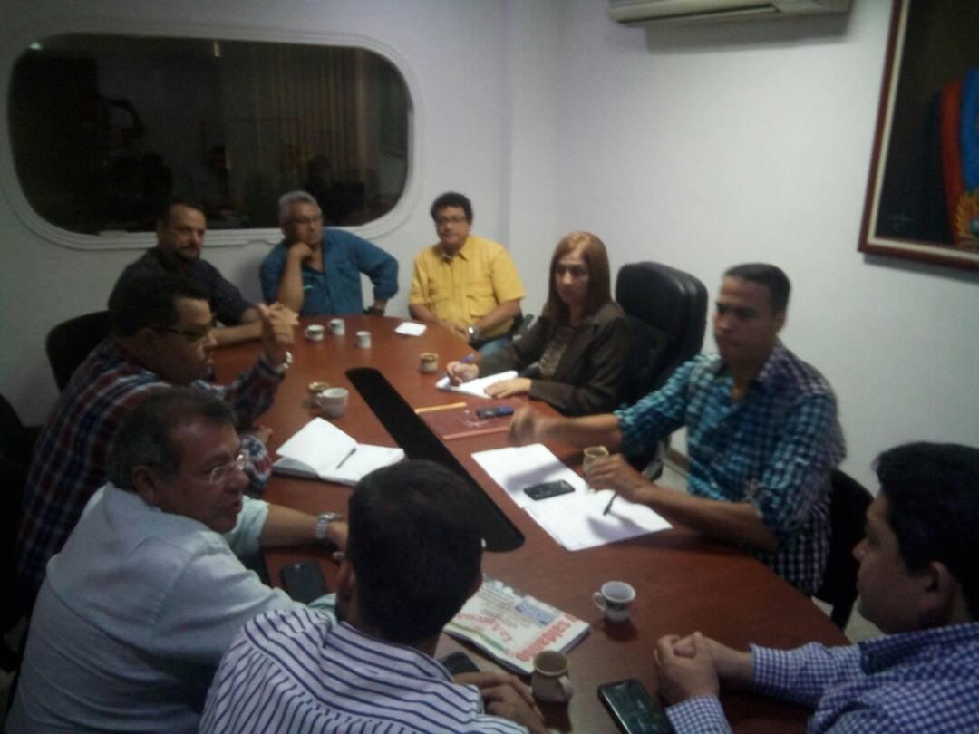 La alcaldesa reunida con empresarios y emprendedores de Infante