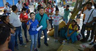 400 venezolanos que vivían en un estacionamiento en Barranquilla fueron desalojados