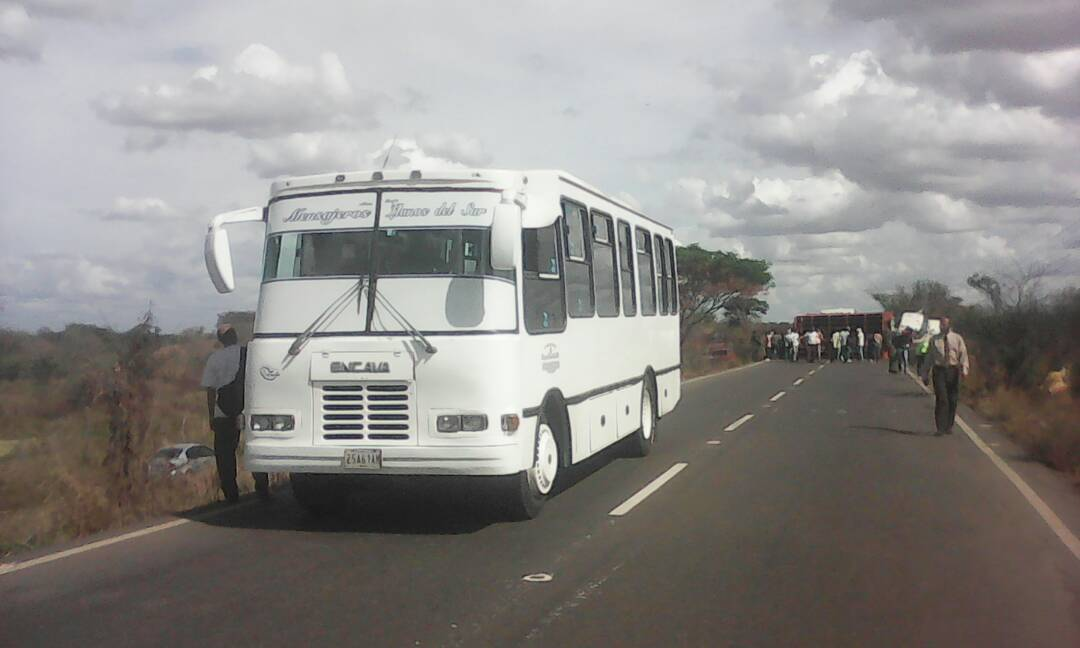 La otra unidad colectiva involucrada en el accidente.