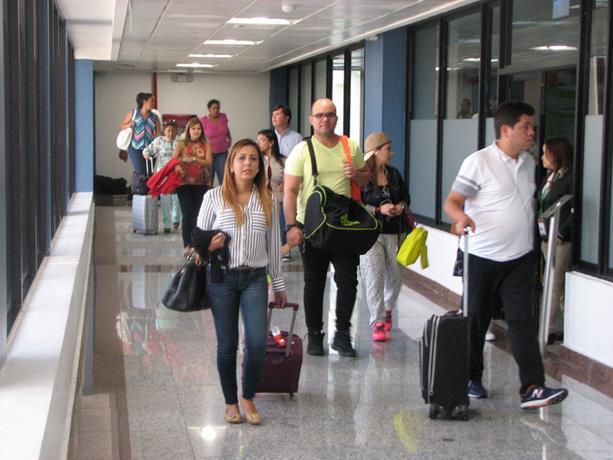 Venezolanos en Dominicana esperan que diálogo entre el Presidente Danilo Medina y oposición regularice su situación