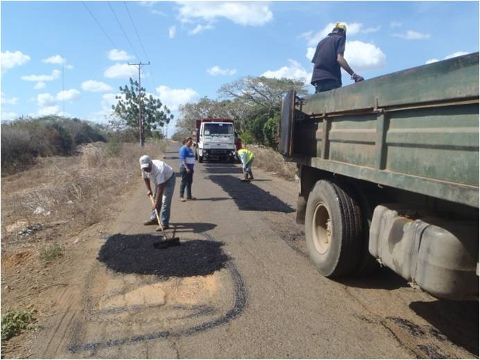12 toneladas de asfalto fueron colocadas por las cuadrillas de Desarrollo Urbano