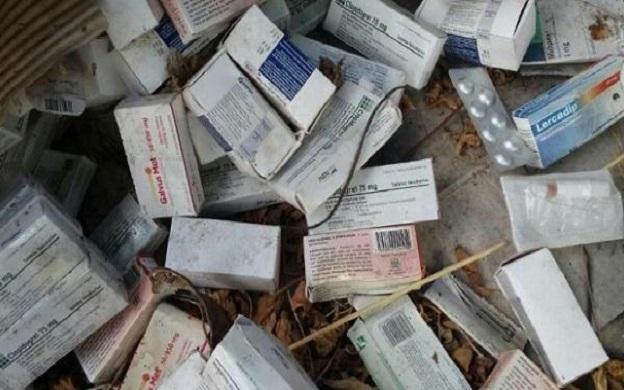 Hallan medicinas enterradas en galpón del Min-Salud