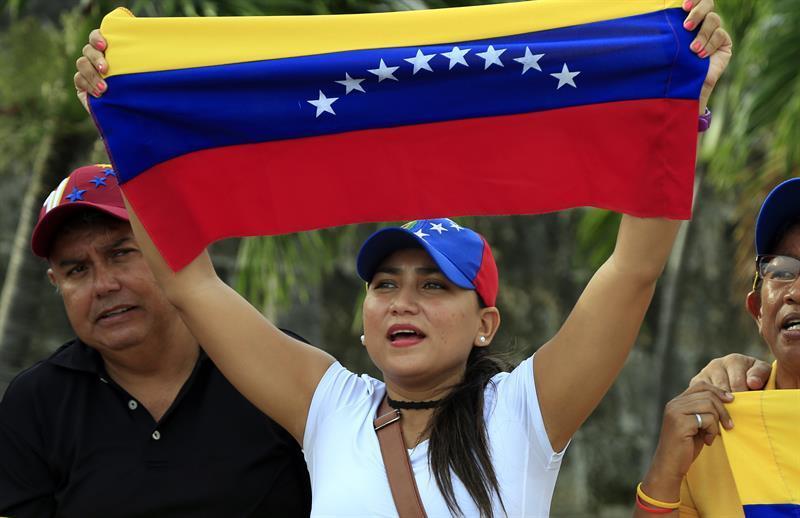 """Desde Chile, periodista venezolana presenta """"El Diario de una Exiliada"""""""