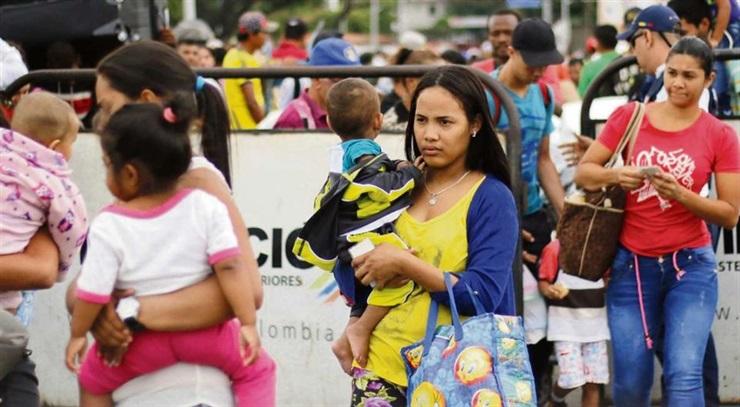 Desafía reforzados controles, éxodo de venezolanos hacia Colombia