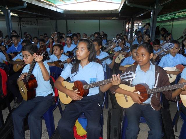 Aproximadamente 80 estudiantes se incorporaron a las clases de música