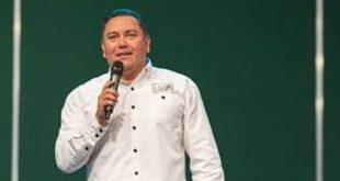 Candidato a la presidencia tras ser señalado en los Papeles de Panamá