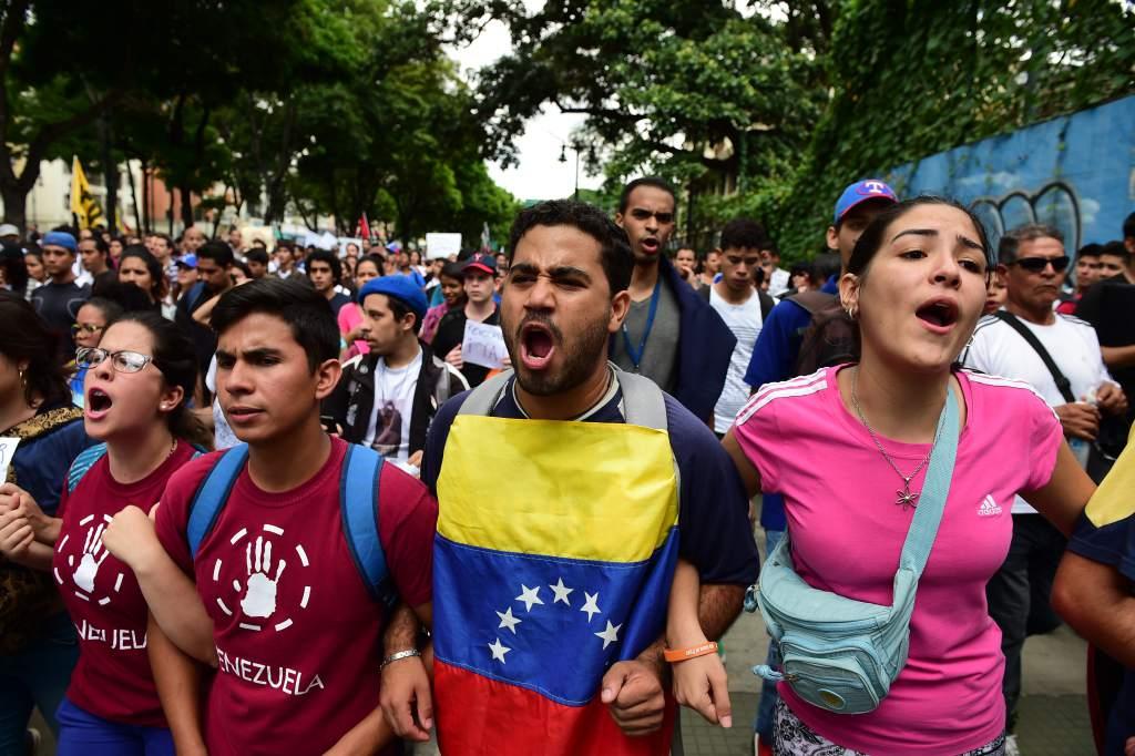 Santos creará Grupo Especial Migratorio en la frontera colombo-venezolana