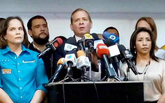 Juan Pablo Guanipa rechazó la inscripción de Henri Falcón a las elecciones presidenciales