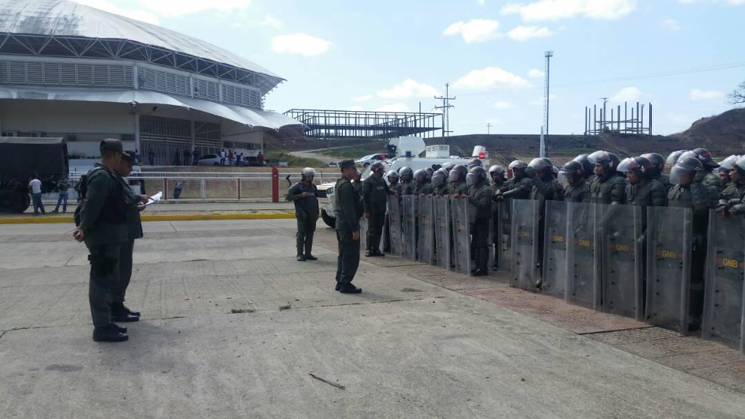 Durante la ejecución de la actividad participaron 01 Oficial General, 07 Oficiales Superiores, 19