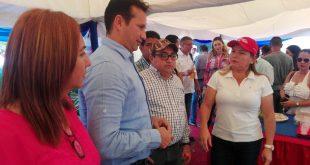 El gobernador José Vásquez junto a la alcaldesa asistió a la jornada de presentación de proyectos
