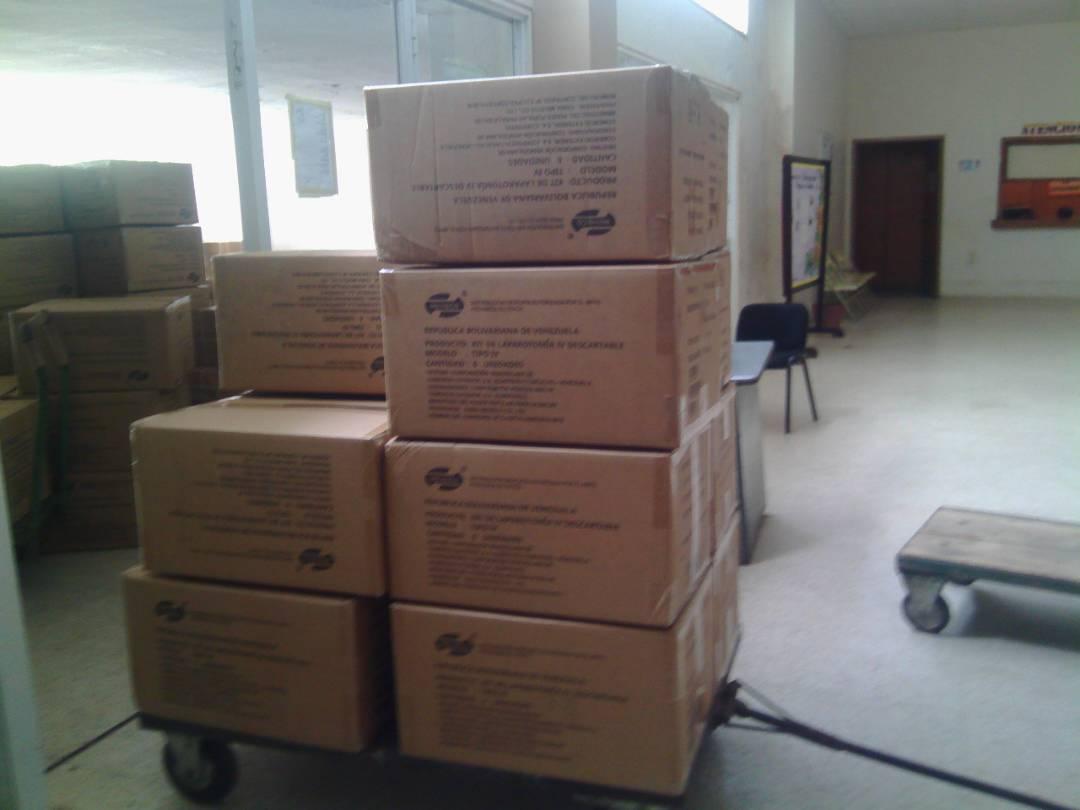 Yelcos, guantes, Acetaminofen y muchos mas insumos fueron recibidos.