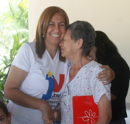 Nidia Loreto mantiene el contacto directo con el pueblo
