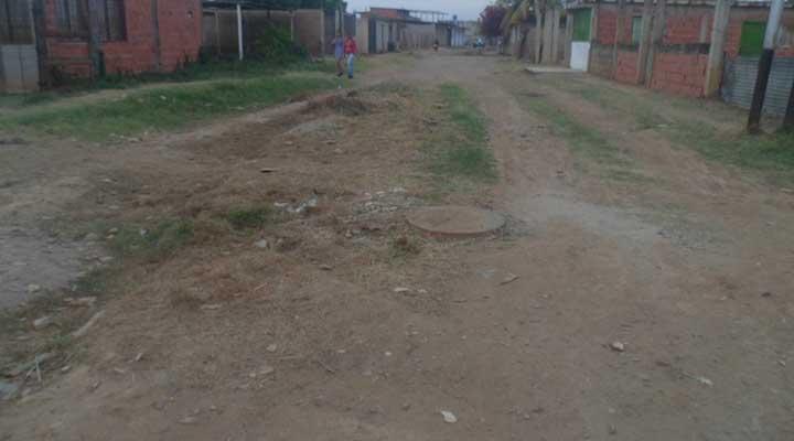 Las calles del sector Brisas del Este están sin asfalto desde su fundación