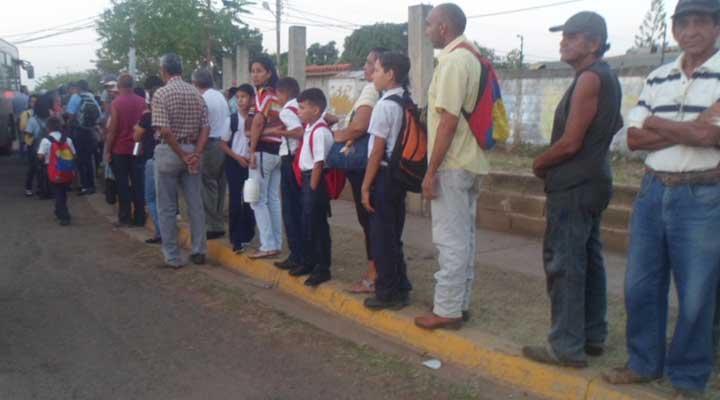 Los estudiantes se han visto afectados con el paro de Transporte en el municipio Infante.
