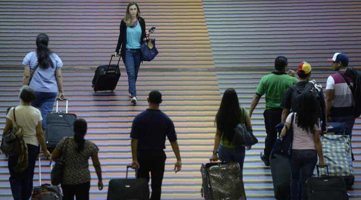 Muchas féminas deciden irse del país y enviar la manutención de sus hijos y esposo