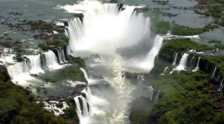 Iguazú. Argentina. La unión de dos países dan una belleza esplendorosa.