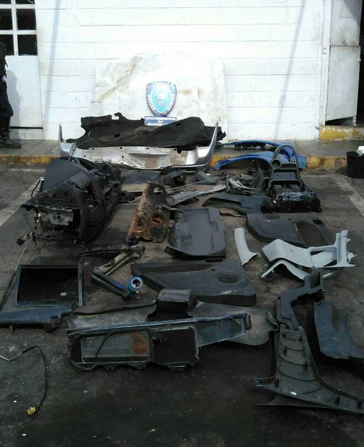 Partes de piezas de vehiculos robados