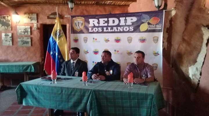 Andrade, jefe de las subdelegaciónes y el comisario Francisco Gomez jefe de la subdelegación de Valle de la Pascua