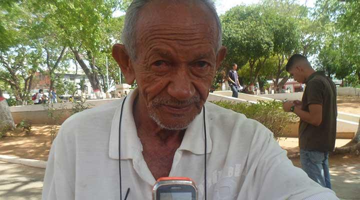 """Pedro García """"En estos momentos no podemos consumir carnes ya que en los sitios de ventas no se consiguen y el precio lo subieron de un día para otro"""""""