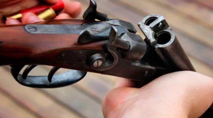 Lo mataron tres hombres con disparos de escopeta.