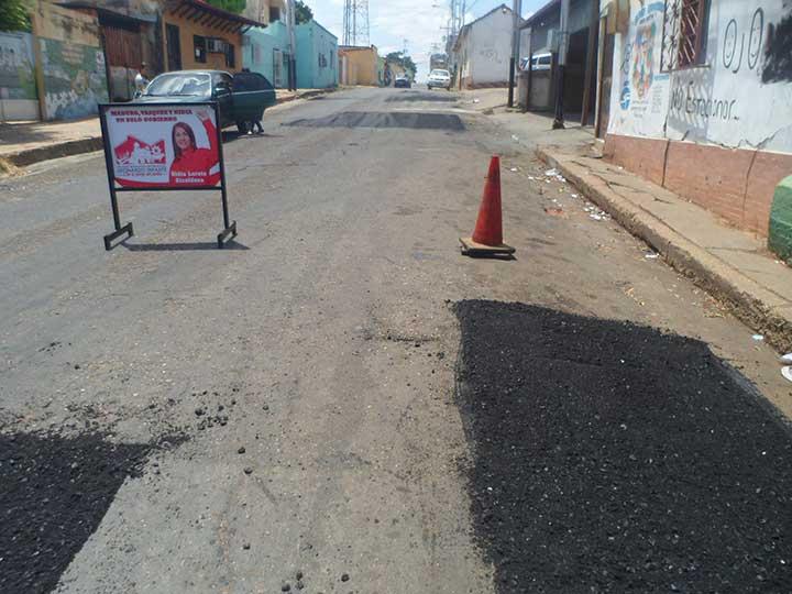 """Los vecinos reiteraron que """"el asfalto se desaparece cuando caiga una lluvia""""."""