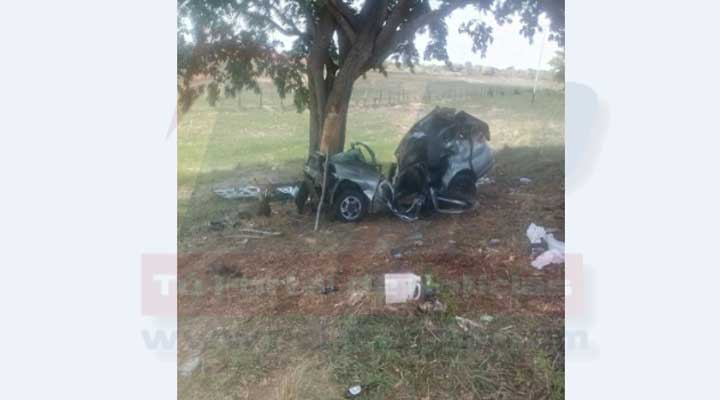 El vehiculo quedo totalmente destruido luego del impacto