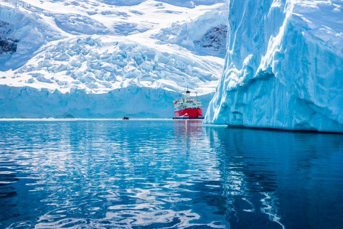 ¡Vive y explora los increíbles lugares en el océano Antártico
