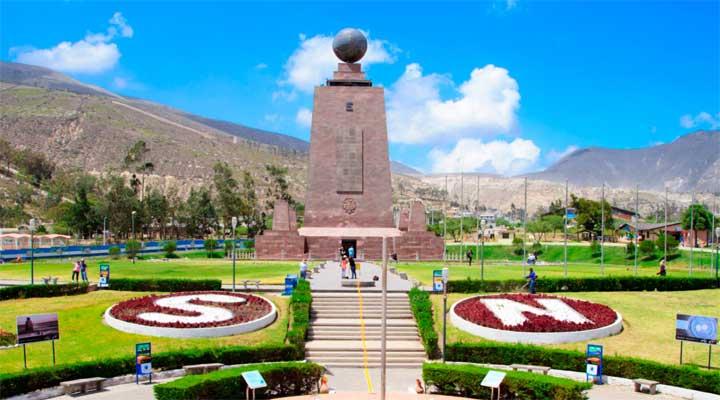 Las políticas migratorias de Ecuador no exigen visa para ingresar al país a la mayoría de sus visitantes