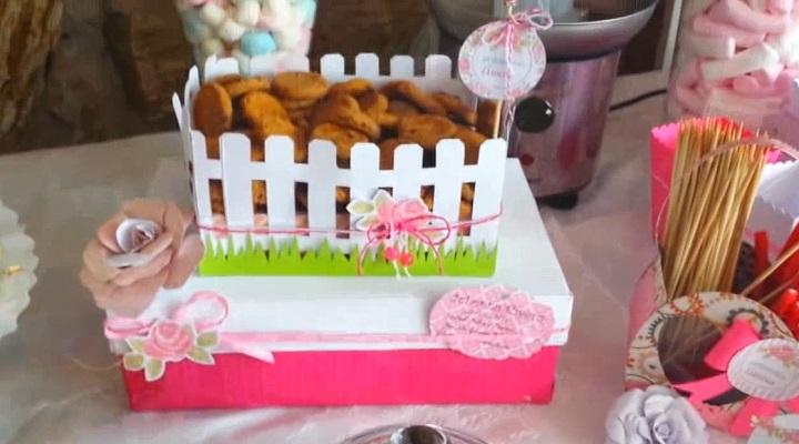 cesta decorativa parfa la mesa de dulces scrapbook