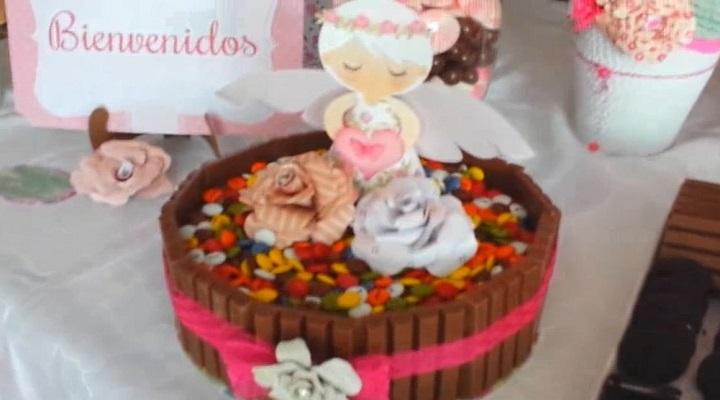Torta falsa para decorar mesa de dulces scrapbook