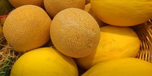 Frutas sanas y enteras