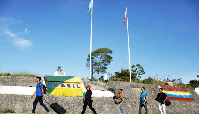 Se calcula que cerca de 400 venezolanos cruzan diariamente la frontera