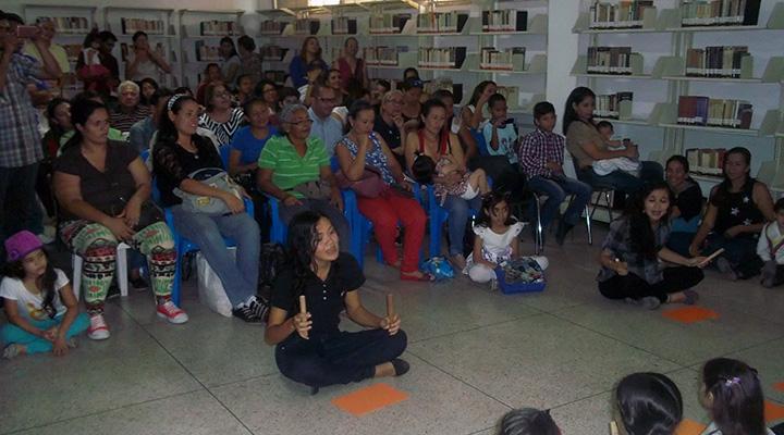 Los padres, madres y representantes apoyaron la actividad con su presencia y regalaron aplausos a los pequeños artistas