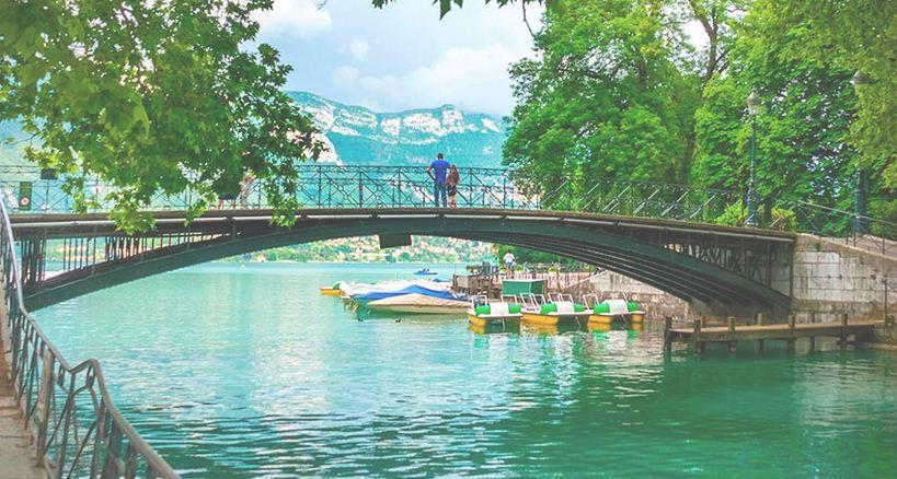 Puente Los Amores, encanto y ensueños de Annecy