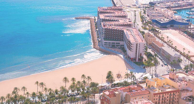 La prestigiosa Alicante muestra sus playas de categoria