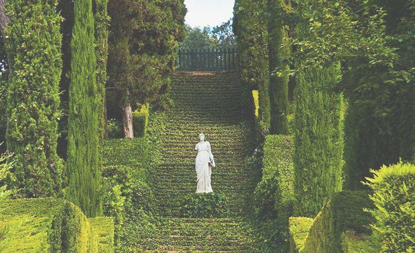 El amor reflejado en los jardines de Santa clotilde