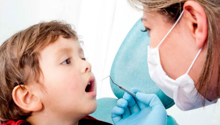 Odontologos recomiendan a los padres recibir la asesoría necesaria para la higiene y el correcto cepillado dental