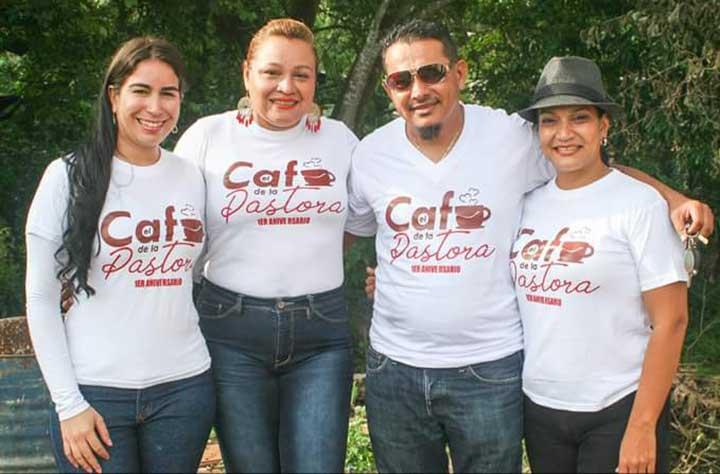 Mara Acosta, Pastor Liarxis Alcalá, Yurbany  Perdomo y Day Gaona equipo que conforma el programa