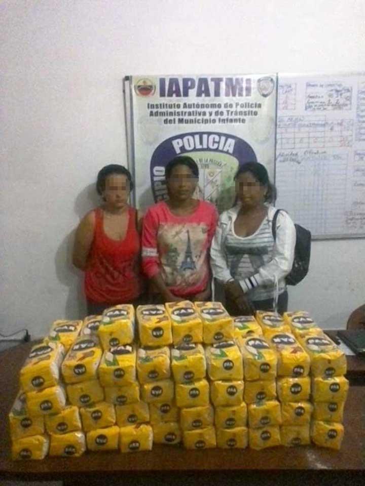 Lote de harina decomisado a las tres mujeres