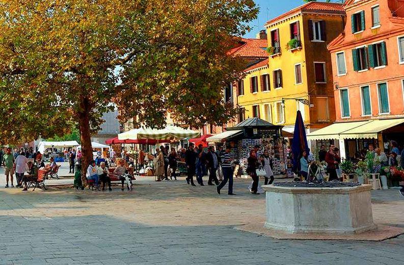 El Campo Santa directamente Margherita