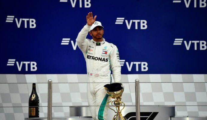 El piloto británico Lewis Hamilton logró ganar el Gran Premio de Rusia en el mundial de Fórmula 1
