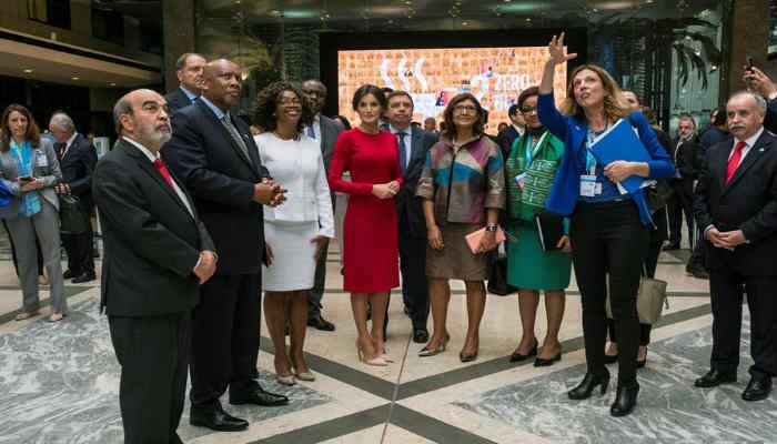 """La reina Letizia animó a cambiar el sistema mundial alimentario para acabar con las """"abrumadoras"""" cifras de malnutrición en el mundo"""