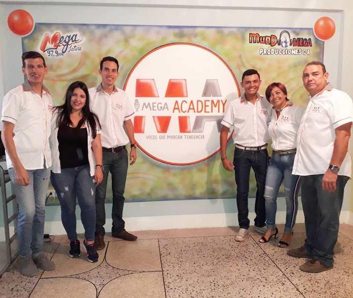 El equipo de Mega Academy