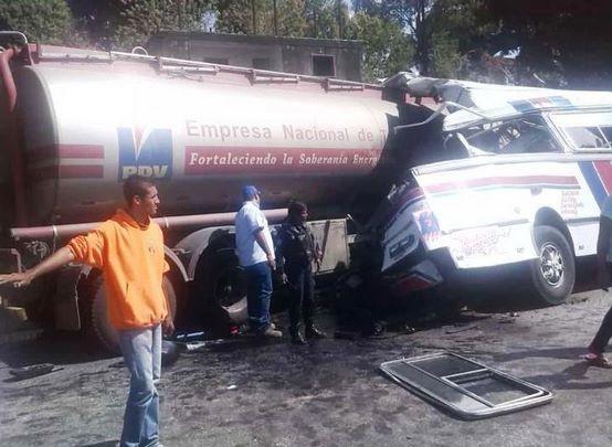 El accidente se produjo en el sector Las Minas de Tierra Blanca.
