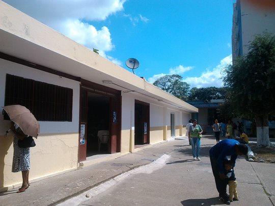 Entre la vida y la muerte se encuentra Unidad de Hemodiálisis del Hospital Rafael Zamora Arévalo.jpg
