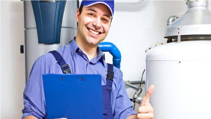 La importancia de la revisión de las instalaciones por un técnico profesional.