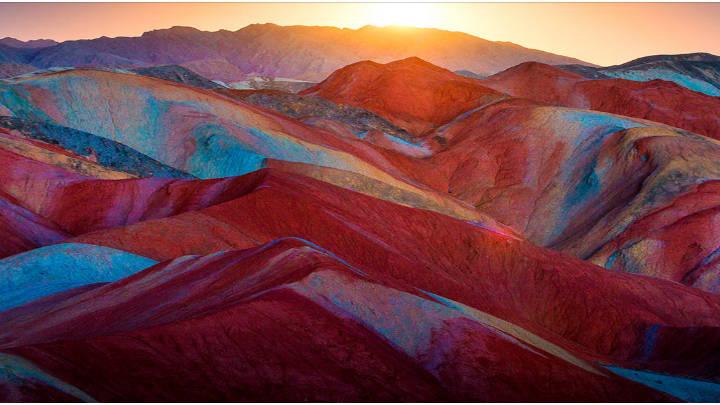 Zhangye Danxia en China presenta su paisaje de colores mágicos